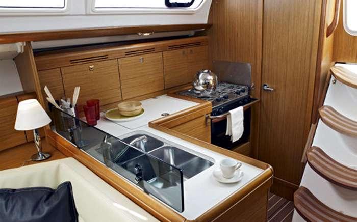 Sun odyssey 36i jeanneau for Cocinas para barcos